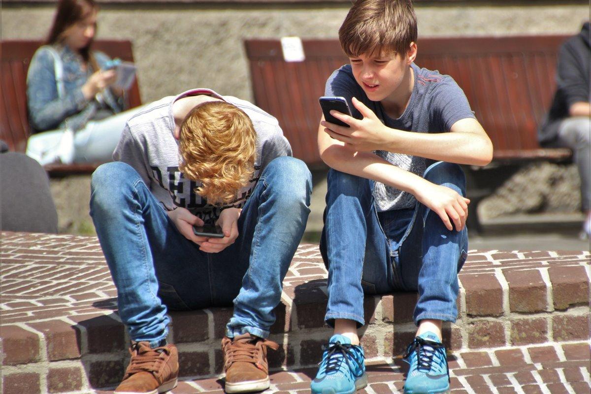 Adicción a la tecnología de los adolescentes